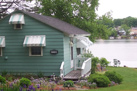 Charming cottage on Lake Lashaway, sleeps 4