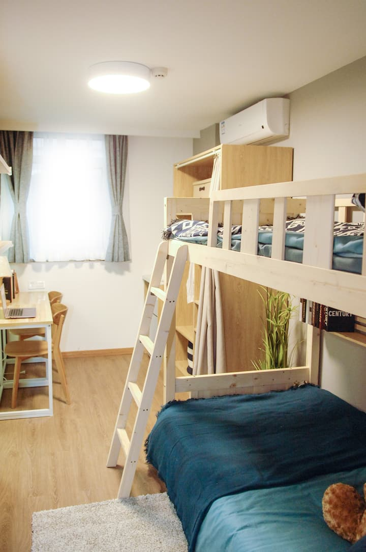 Globility-International  Youth Hostels-LoftbedA