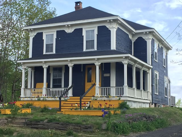 The Ashdale-4 Guests with Breakfast