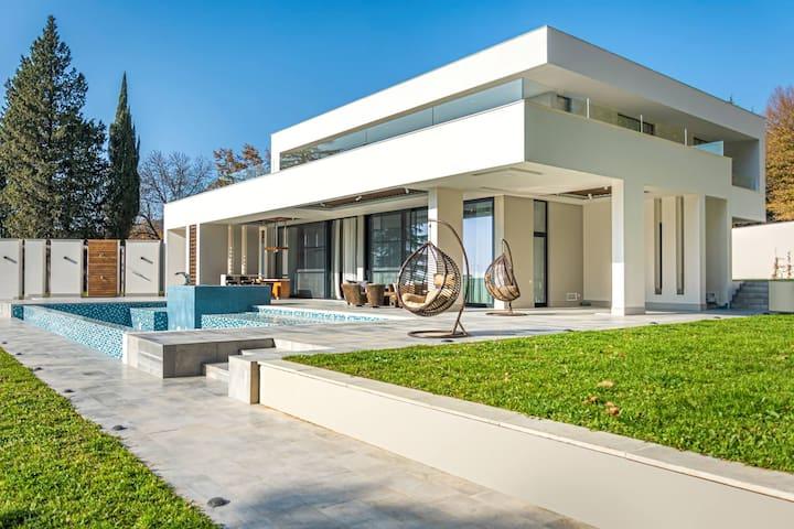 Villa Lagodekhi
