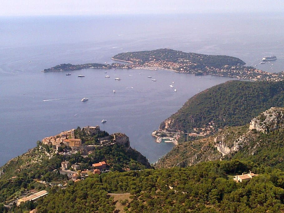 The village of EZE , one of the most visited in France. Village d' EZE