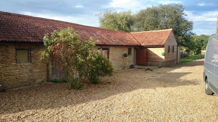 Spectacular rural retreat nr MK, Beds, Northants