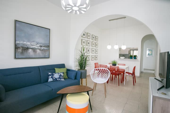 Stylish Beach Apartment | 8 minutes from beach