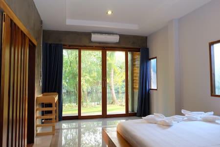 Villa Suites River view&peaceful - Mueang Chumphon District