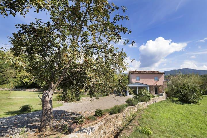 Casa Rubina beautiful stone villa with pool