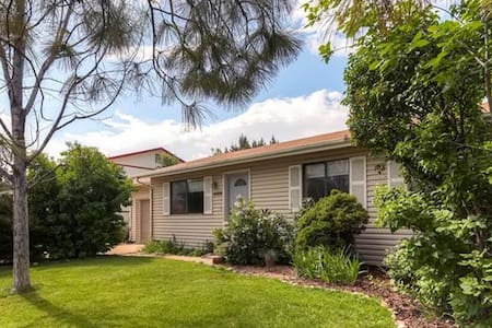 Ranch Home with Big Yard Close to Boulder & Denver - 布隆菲(Broomfield)