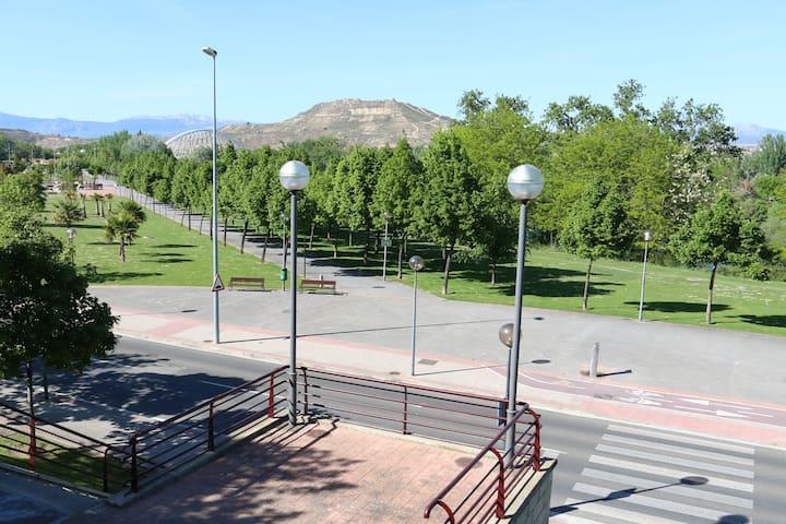 Piso en el Parque del Ebro y cerca del Centro. - Logroño - Apartment