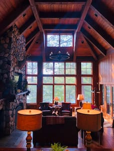 Executive Retreat: Theater, Tennis, Sauna, Hot Tub