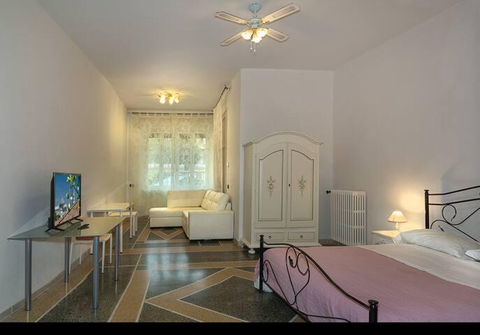 Holiday Pisa Gare B&B - Quadruple Room