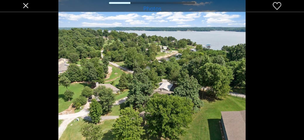 Beautiful lake house bungalow (Lake views/access)