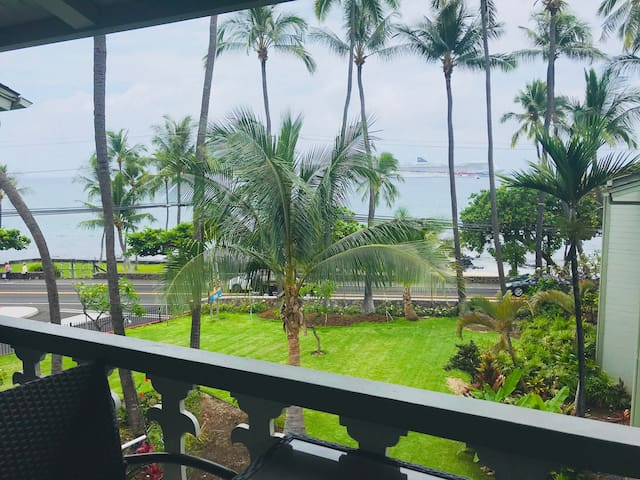 Hale Kahakai, Oceanfront Studio, Amazing views