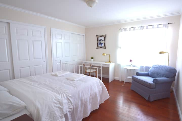 1333B Large Private Room with Shared Bath near SFO