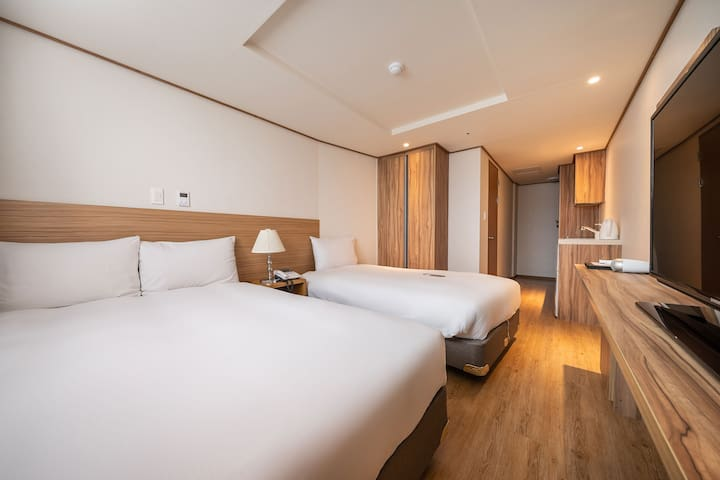 호텔 휴식, 서귀포 패밀리 트윈룸(3인실) 1