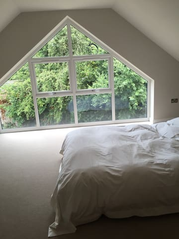 Lark House - modern, light & lovely - Alderley Edge - Ev