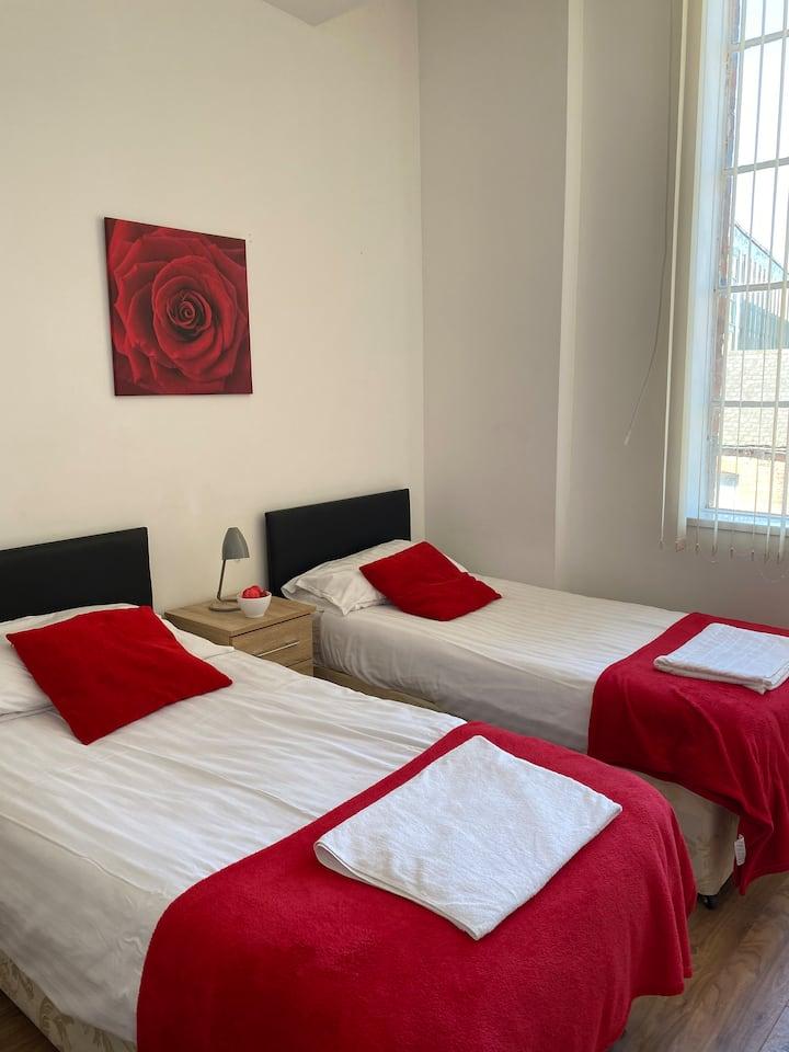 Luxury 2 Bedroom Apartment LE1