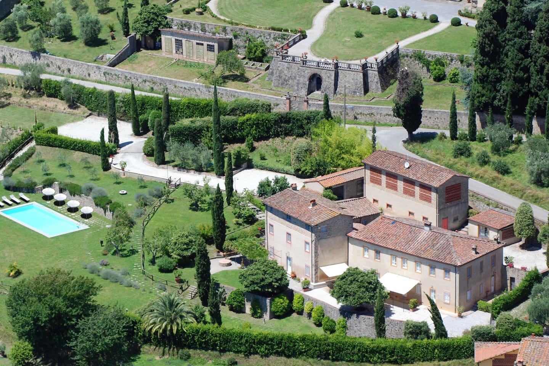 Foto panoramica della proprietà.
