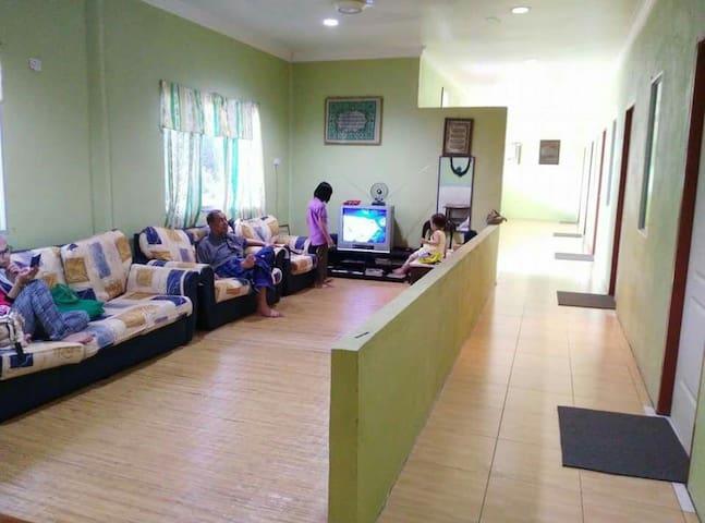 Santubong Homestay Whole House