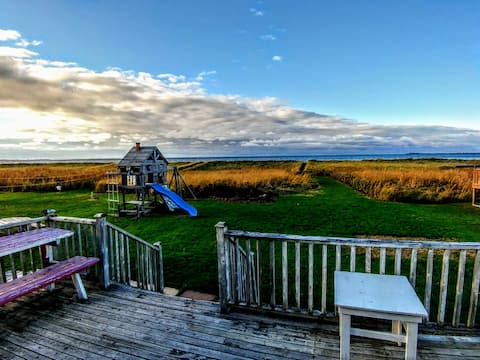 Nova Scotia North Shore Ocean Front Cottage