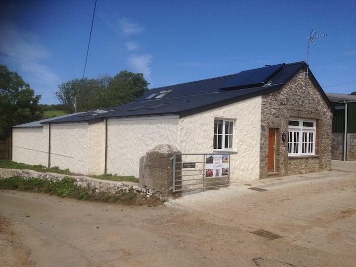 Eastern Slade Barn/Bunkhouse 5 star