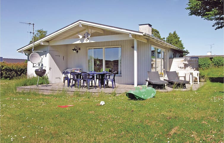 Holiday cottage with 3 bedrooms on 85m² in Allinge