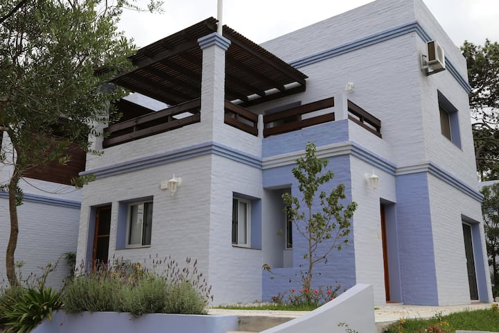 2- Casa Premium Moderna (Hasta 4 adultos) Freewifi