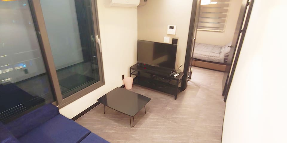 Coex 3 minutes good location simple and wide room!