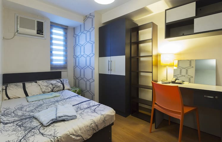 2020 Promo! 2 Bedroom @ 35th w/ Wi-Fi and Cable TV