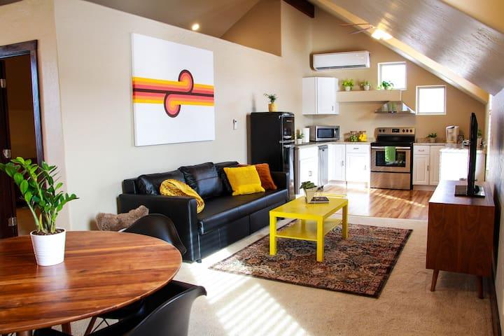 Retro Apartment by Arizona Snowbowl Ski Resort