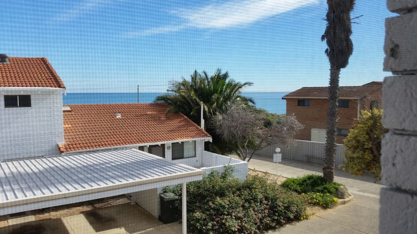 Beachside Villa Halls Head Mandurah