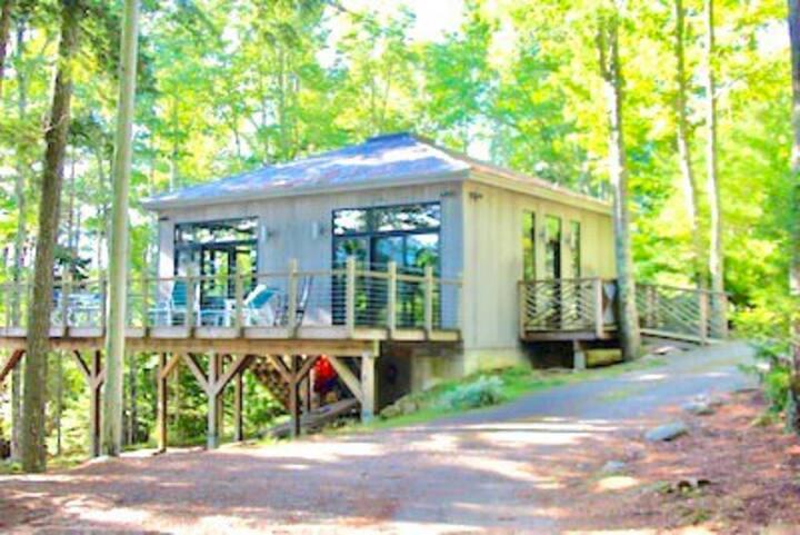 Acadia Waterfront Cottage on Long Pond - Windiana