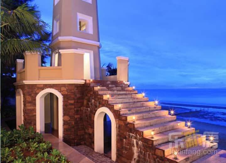 新房源!西海岸精装温泉酒店自助入住 私家海滩,露天温泉可钓鱼。一楼私家花园,游泳池 可做饭,近海口站