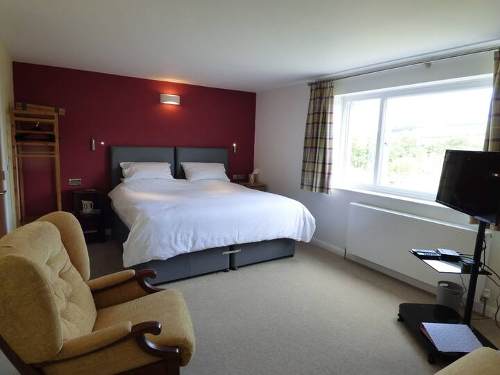 Highfield House Superking/Twin Room