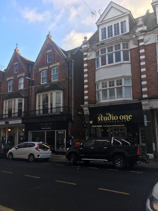 Studio flat situated in little Chelsea, Eastbourne