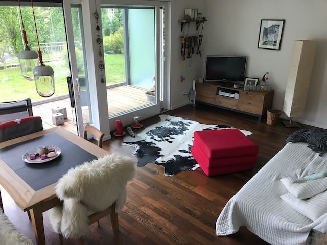 Walk to Jakobshorn from this charming 1-bedr condo