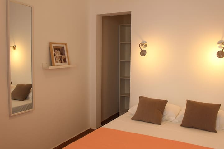 Faro Center Apartment, 5min from bus/train station