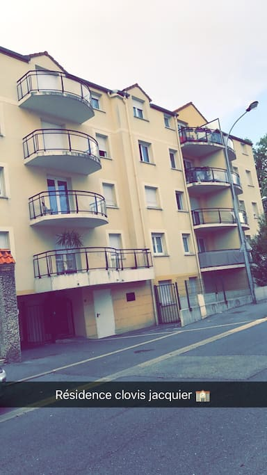 R sidence t2 clovis jacquier condominiums for rent in for Appart hotel sud est france