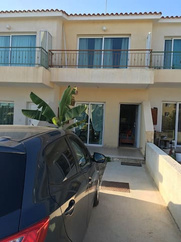 High quality 2 bedrooms house near  beach Paphos - Kissonerga - Radhus
