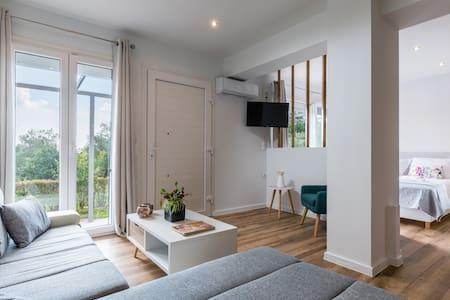 KAYO | Ostria Apartment