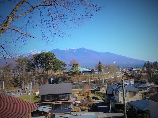 富士見パノラマリゾートがすぐ近く!八ヶ岳が見渡せる一軒家「富士見白樺ゲストハウス」