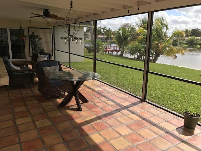 Miami with lake view single family home - Miami - Casa
