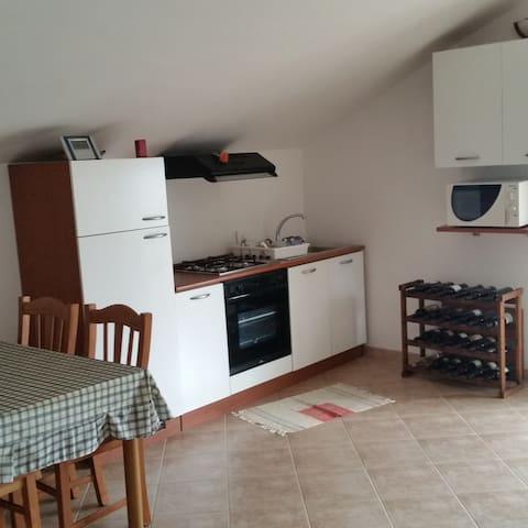 Appartamento  in villa posto al secondo piano.