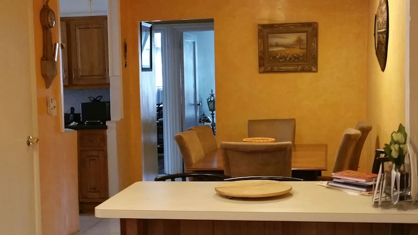 Riverdale - Room with Breakfast for Ladies Only - Bronx - Casa