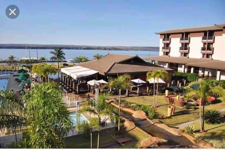 Apt frente lago, resort para lazer ou trabalho1