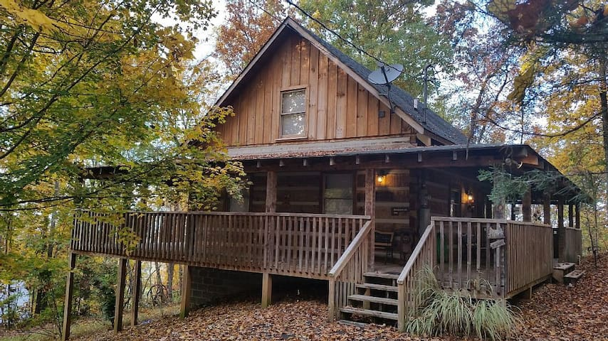 SECLUDED CABIN WITH MOUNTAIN VIEWS, HOT TUB, WI-FI - Pigeon Forge - Бунгало