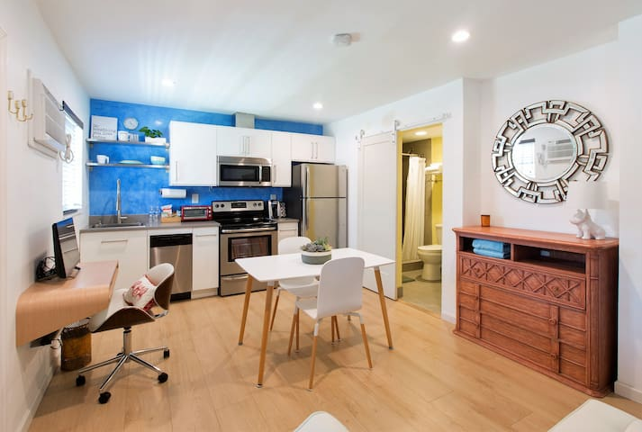 New Condo with Heated Pool Laundry & More