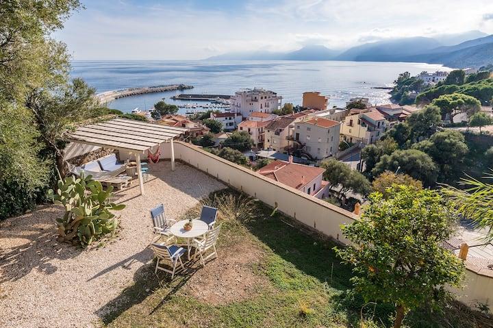 VILLA PALMA,elegant villa with lovely sea views
