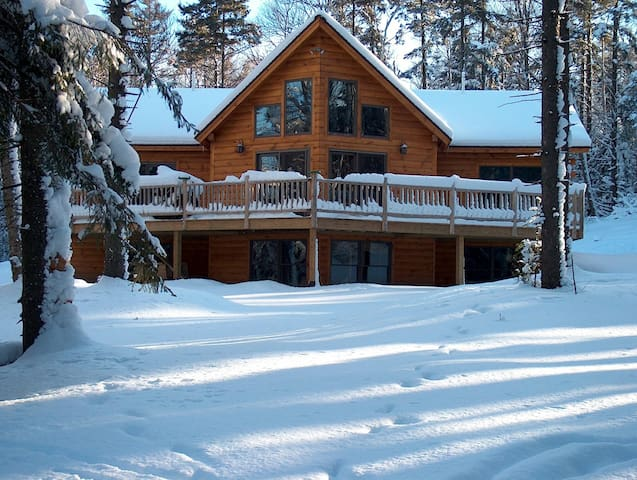Jay Peak Log Home in Winter Wonderland - Montgomery - House