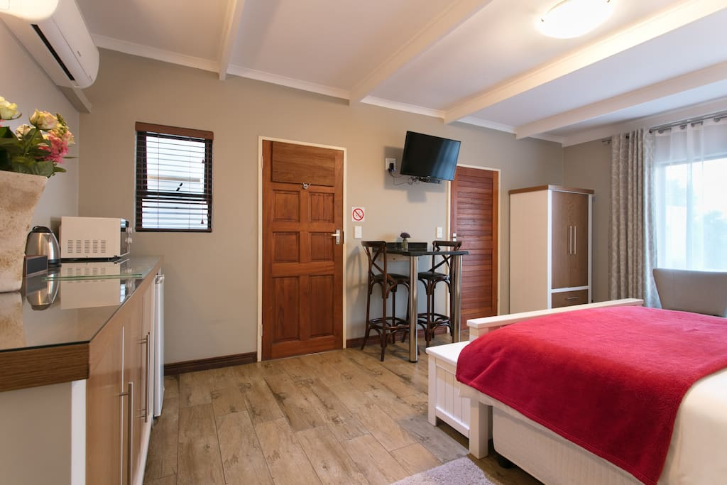 This room is equipped with a flat screen TV with selected dstv channels