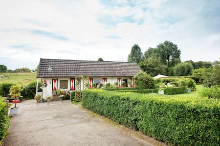 Nostalgic holiday accommodation on the outskirts of the village of Mechelen in South Limburg.