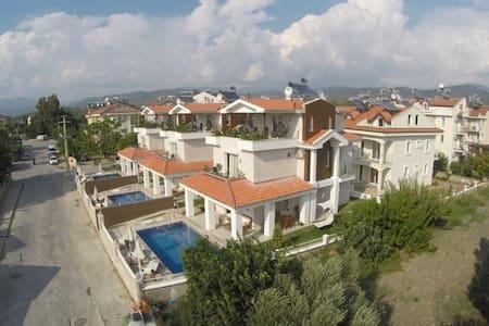 CLS - 03 Çalış'ta Modern Tatil Villası - Fethiye - Villa